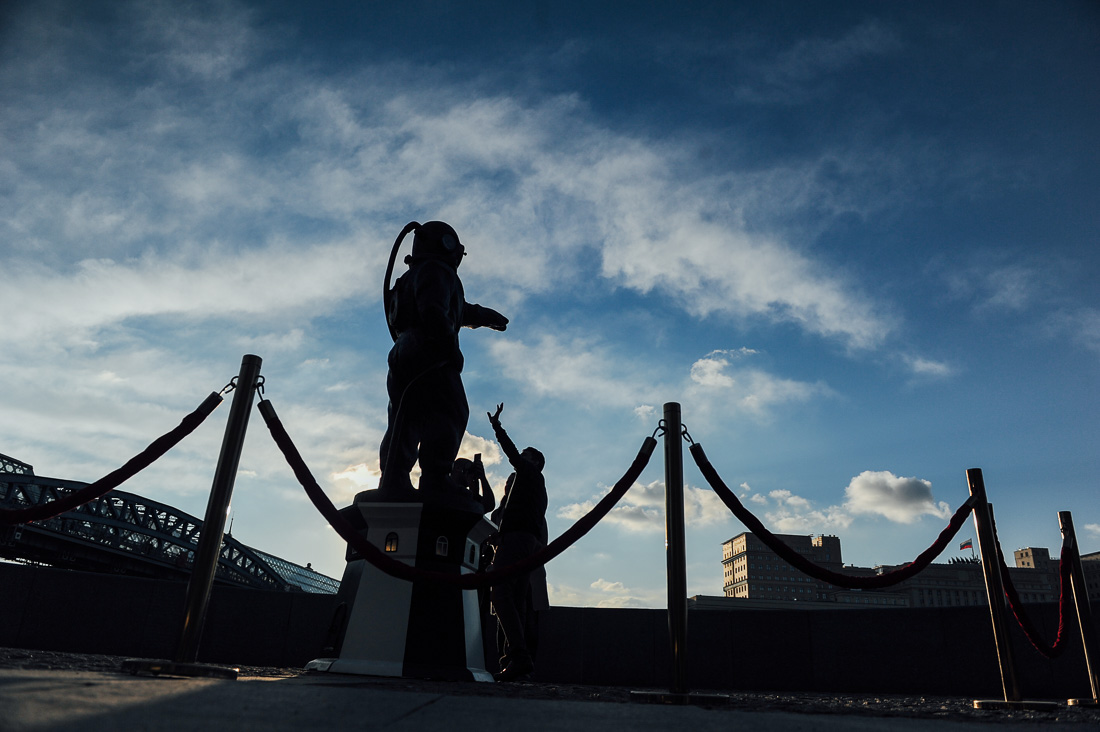 Водолаз-маяк в Парке Горького